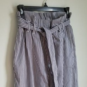 NWOT H&M Paper Bag Wide Leg Pull-On Ankle Pants